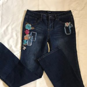 Squeeze jeans with embroidery.  NWOT